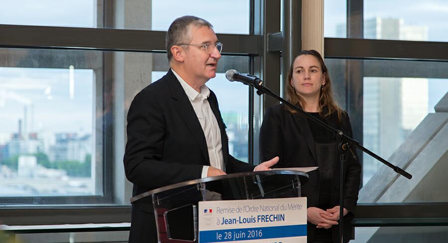Jean-Louis Frechin reçoit la médaille de l'Ordre National du Mérite
